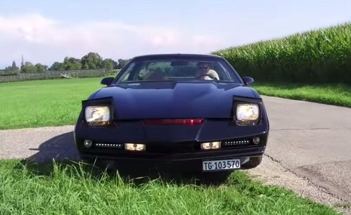 """<img src=""""KITT.jpg"""" alt=""""This Trans Am has been transformed to be the star car KITT from Knight Rider"""">"""
