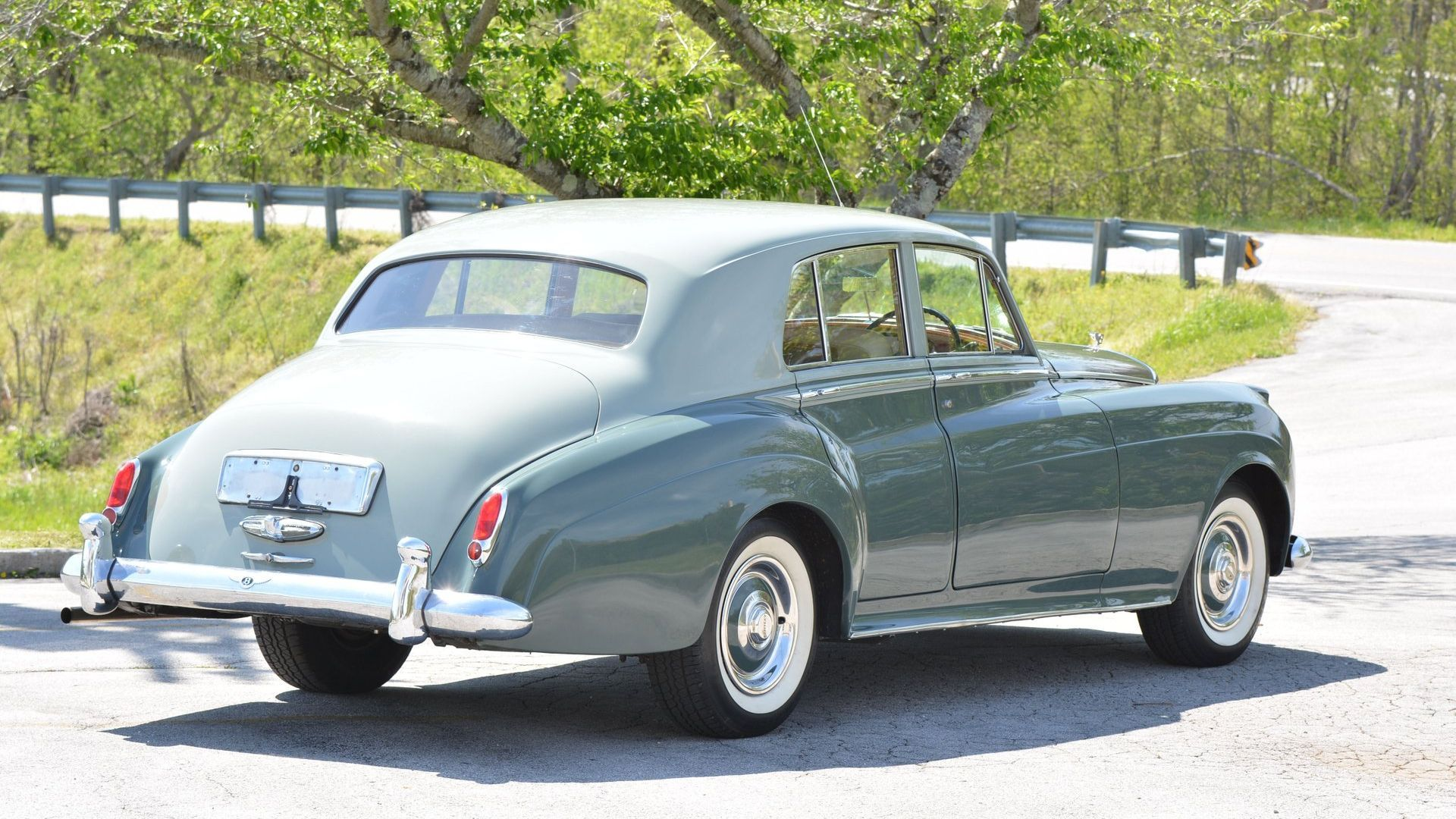 Luxuriously Cruise In A 1957 Bentley S1