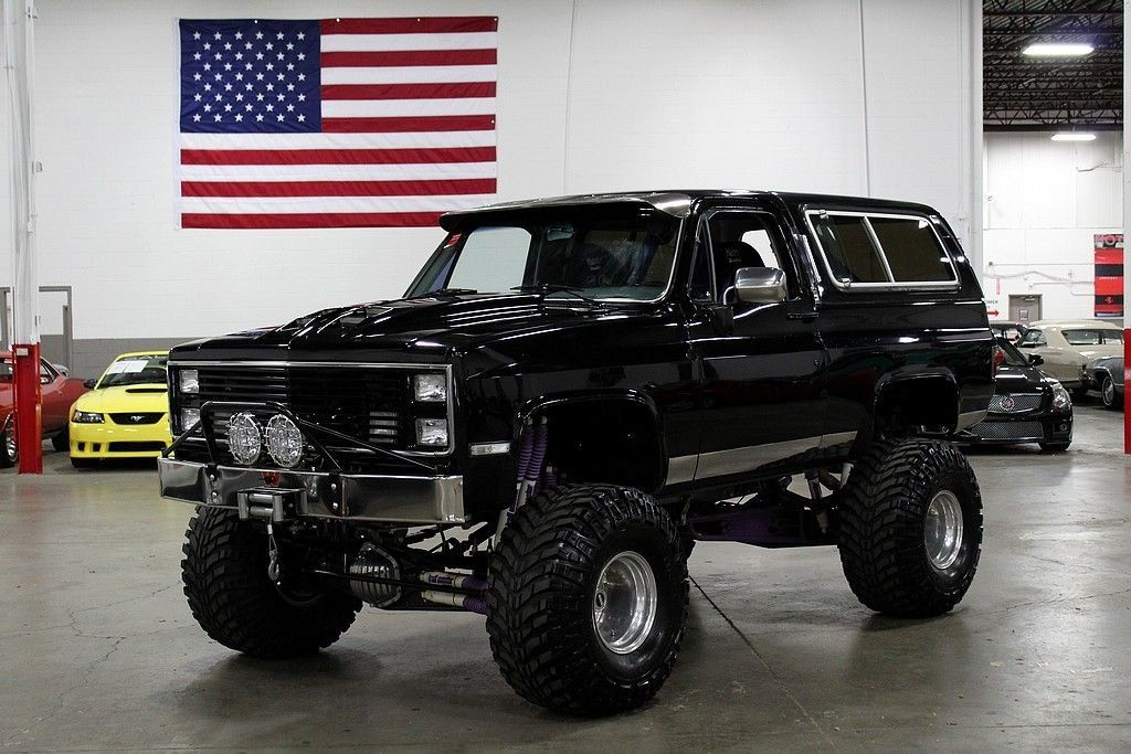 "<img src=""1985-chevrolet-blazer.jpeg"" alt=""A massively modified 1985 Chevrolet Blazer"">"