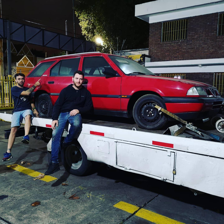 "<img src=""1990s-alfa-romeo-33-sportwagon-1.jpg"" alt=""A time capsule Alfa Romeo 33 Sportwagon"">"