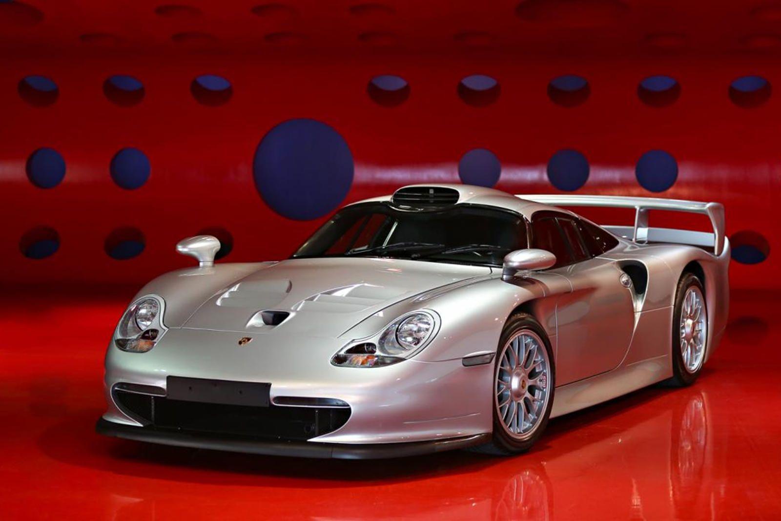 """<img src=""""auction-1998-porsche.jpg"""" alt=""""1998 Porsche 911 GT1 Strassenversion"""">"""