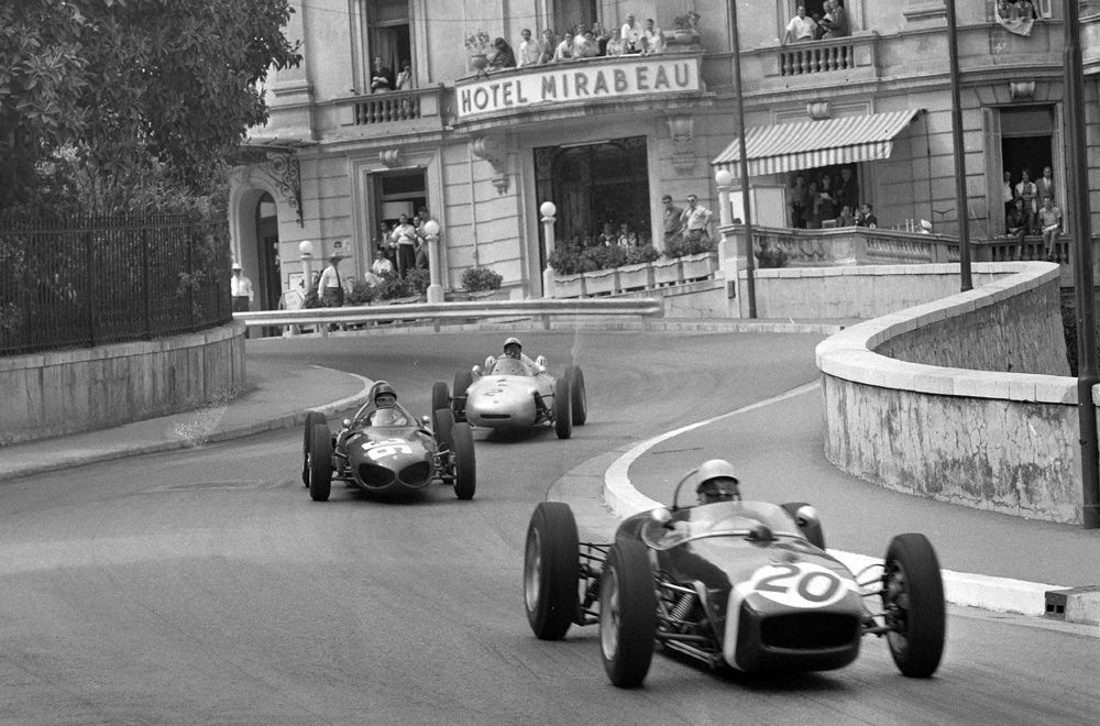 "<img src=""stirling-lotus.jpg"" alt=""Stirling Moss took the win in his Lotus 18 at Monaco in 1961"">"