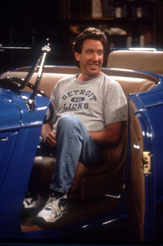 "<img src=""tim-allen.jpg"" alt=""Tim Allen on the set of Home Improvement in the 1933 Ford Roadster"">"
