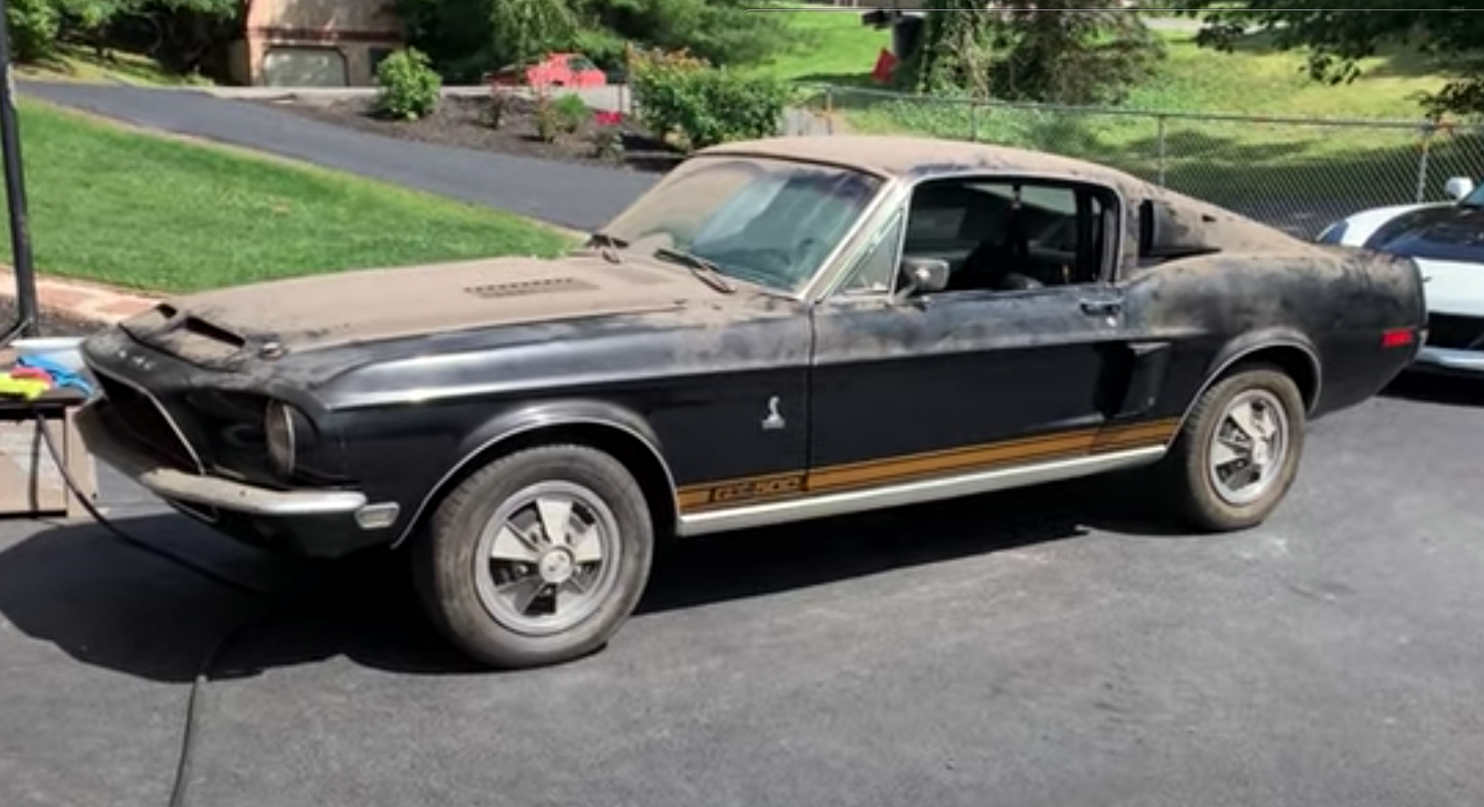 """<img src=""""shelby-gt500.png"""" alt=""""A 1968 Shelby GT500 barn find"""">"""