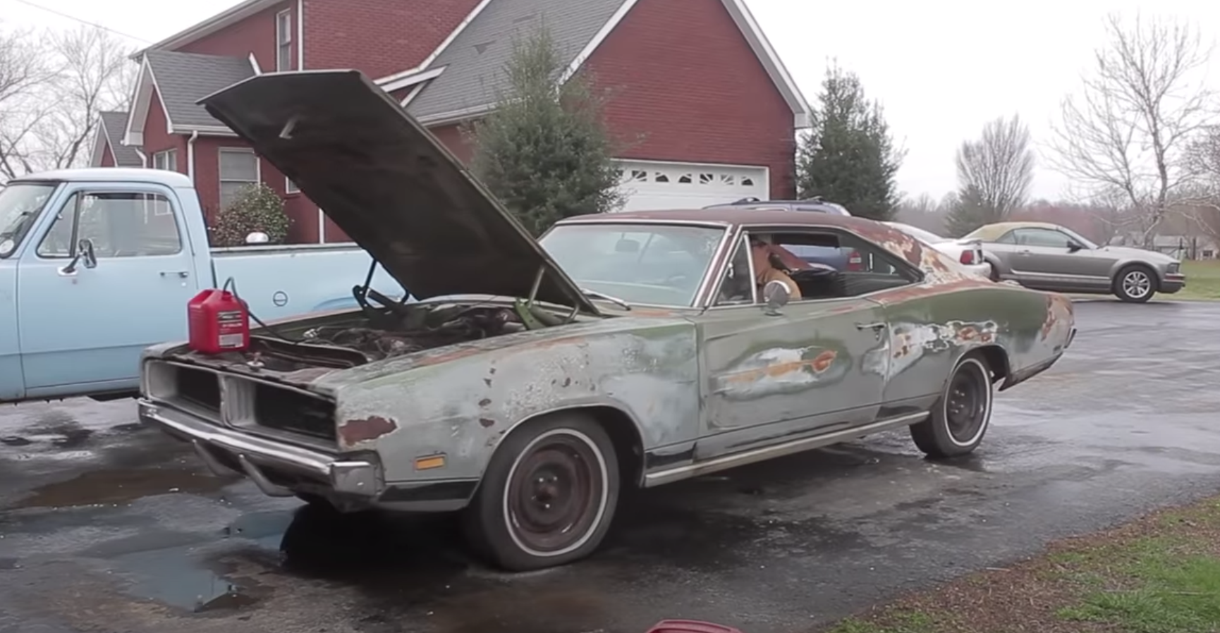 """<img src=""""1969-dodge-charger.png"""" alt=""""1969 Dodge Charger roars to life after 34 years"""">"""