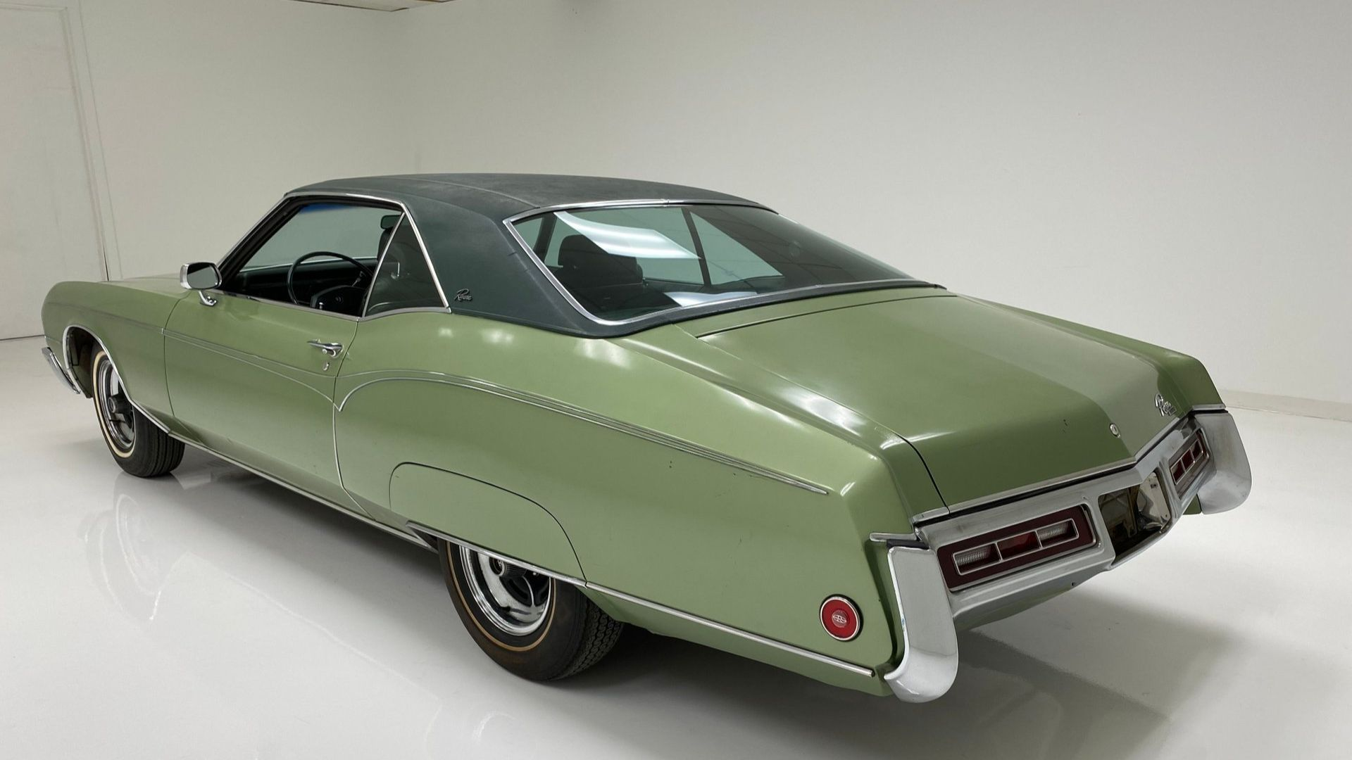 Original 1970 Buick Riviera Provides An Affordable Option