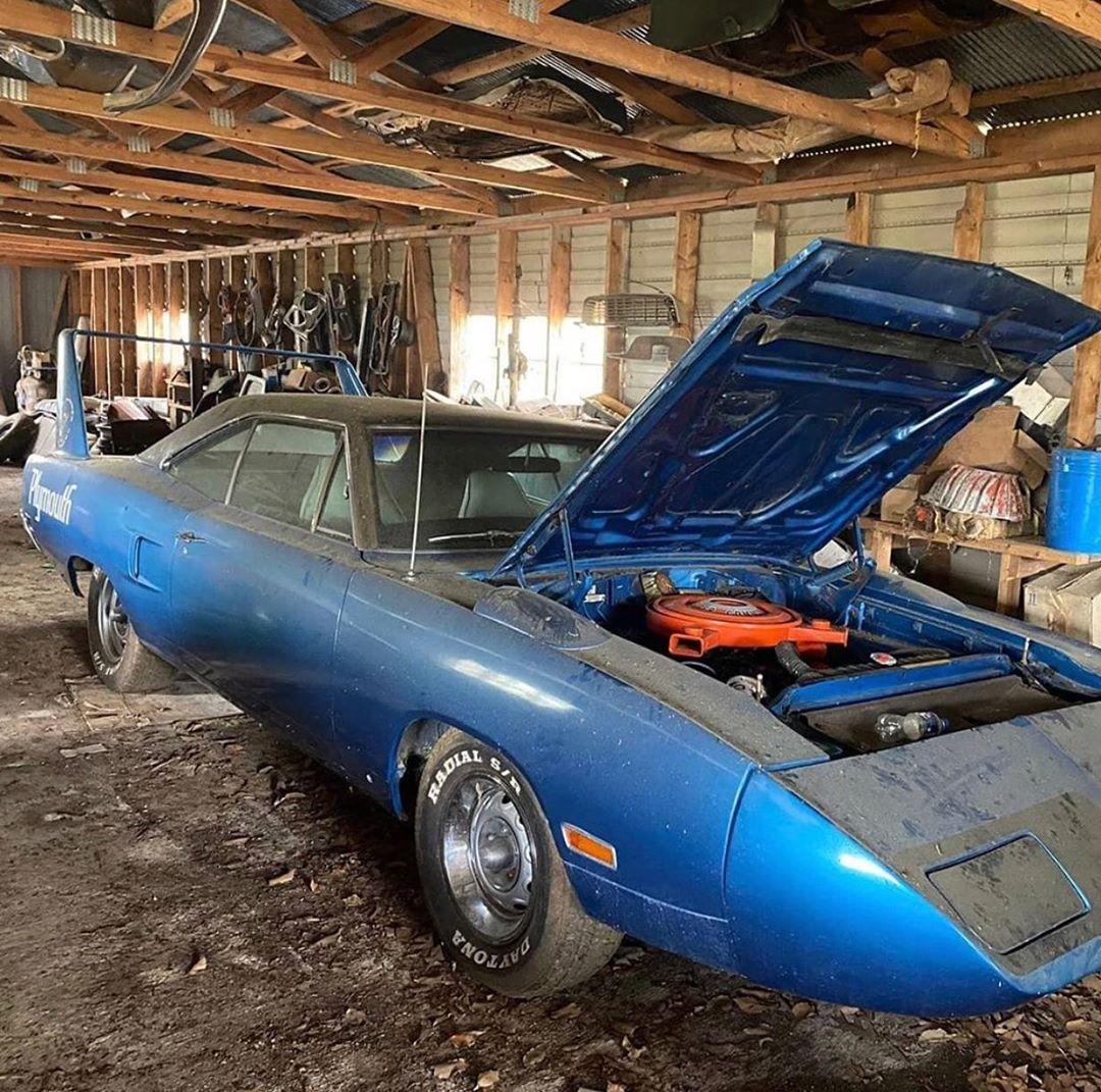 "<img src=""1970-plymouth.jpg"" alt=""A 1970 Plymouth Superbird barn find"">"