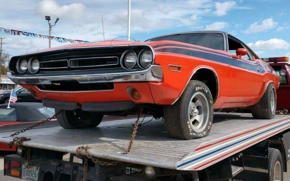 "<img src=""1971-dodge-challenger.jpg"" alt=""1971 Dodge Challenger R/T 440 Six-Pack"">"