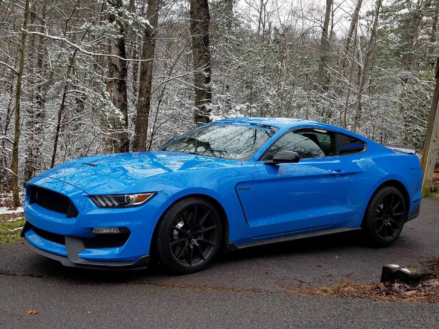 "<img src=""IMG_6218.jpg"" alt=""A Shelby GT350 Ford Mustang"">"