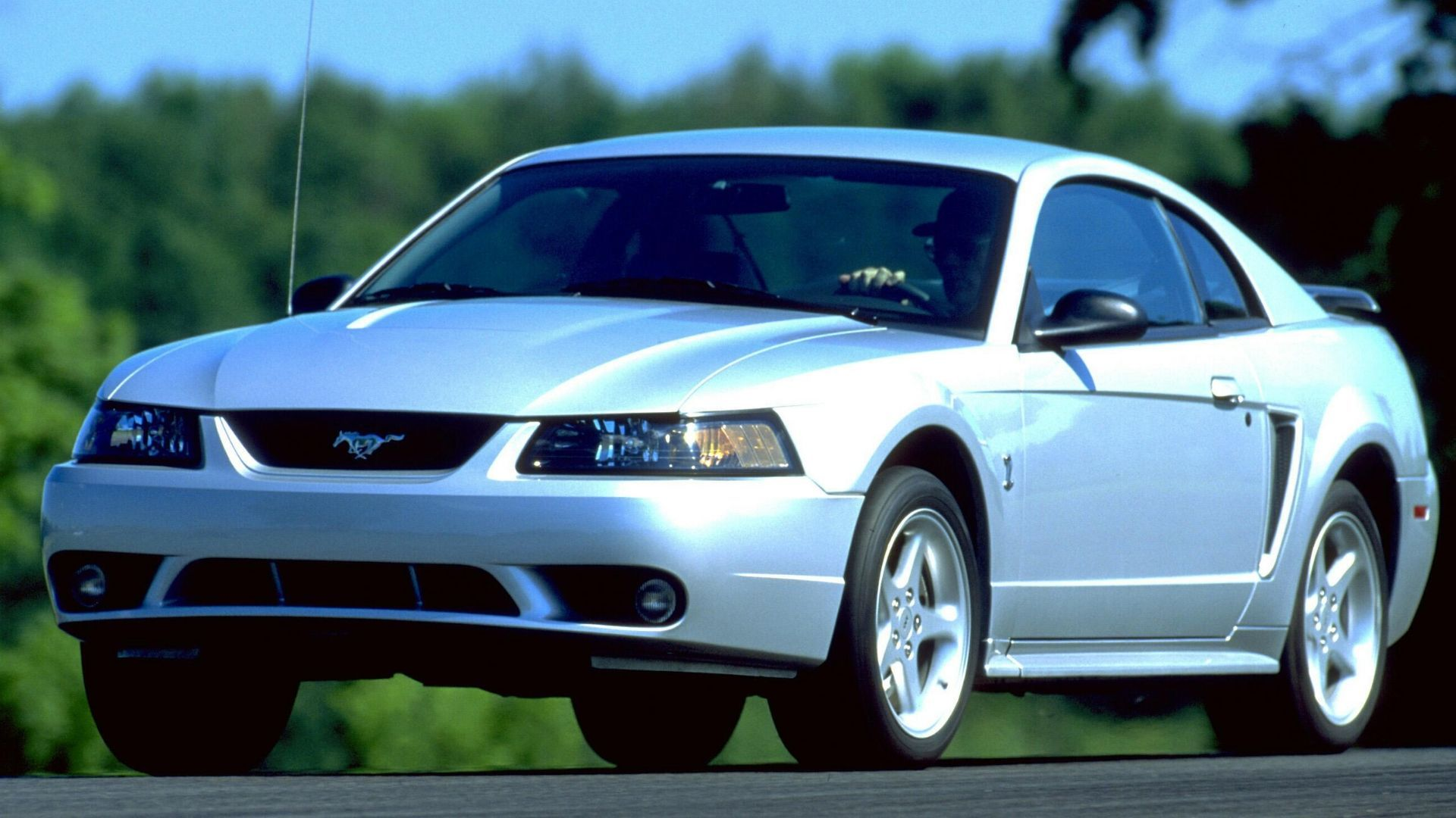 What's The Best Muscle Car For Under $25,000?