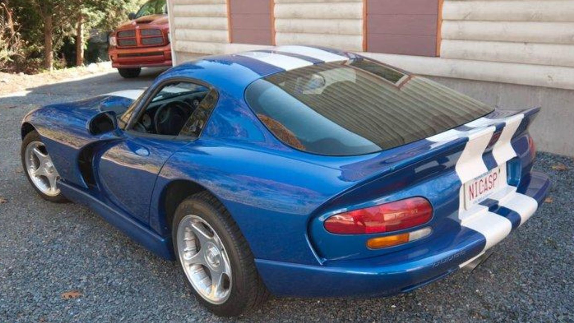 Low-Mileage 1996 Dodge Viper GTS Seeks Fun