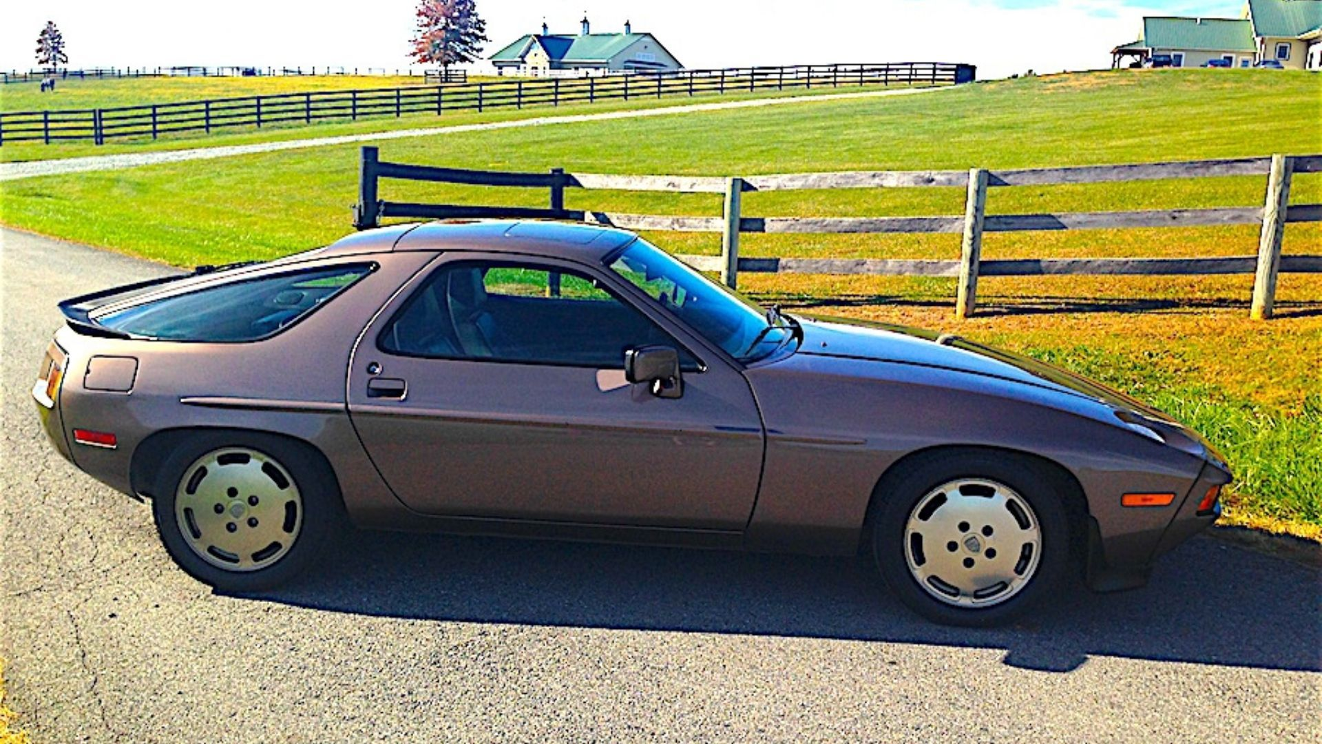 1983 Porsche 928 S Is Completely Unique