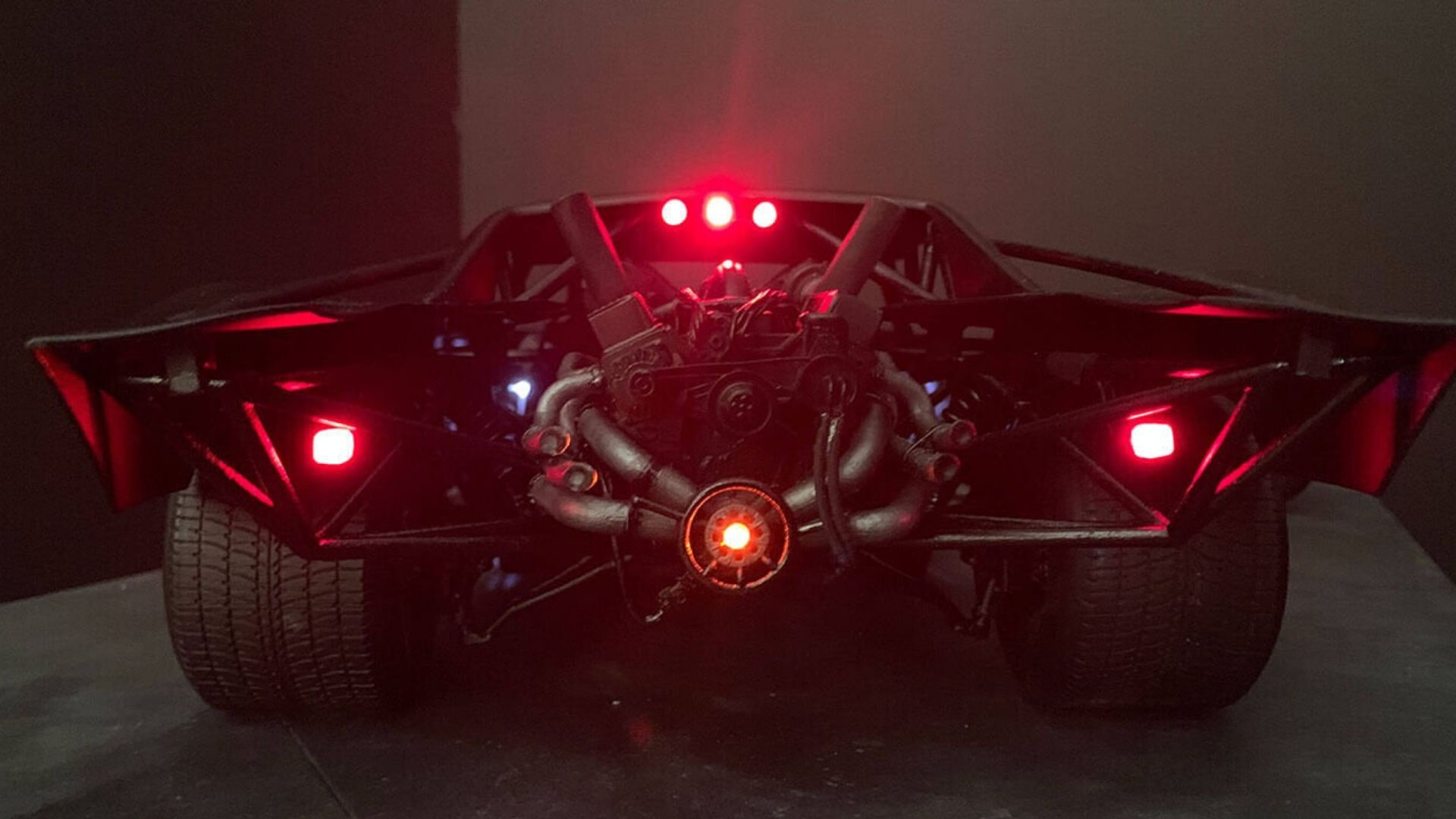 We Finally See The Disappointing New Batmobile Uncloaked