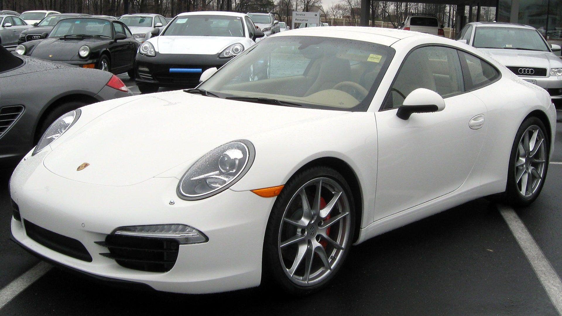 """<img src=""""elon-musk-porsche.jpg"""" alt=""""Porsche 911"""">"""