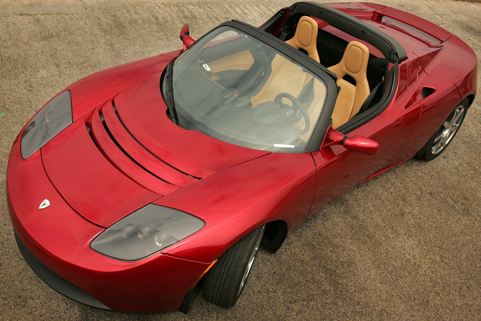 """<img src=""""elon-musk-tesla-roadster.jpg"""" alt=""""A 2008 Tesla Roadster"""">"""