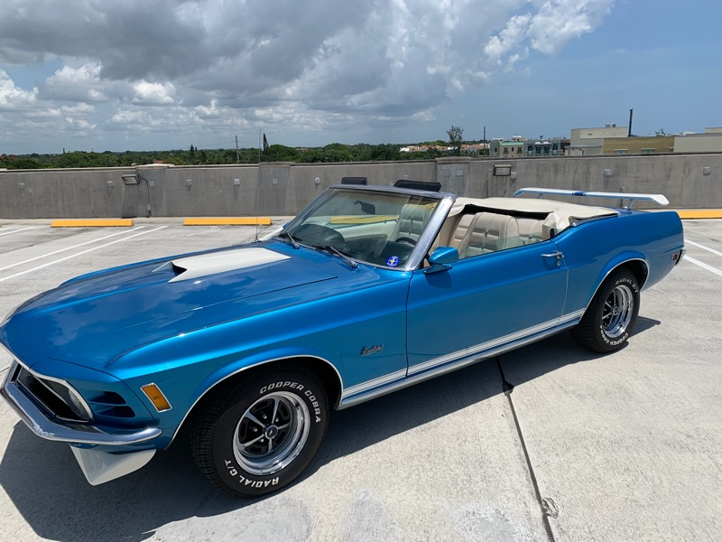 """<img src=""""1970-mustang.png"""" alt=""""A 1970 Ford Mustang convertible currently up for bids"""">"""