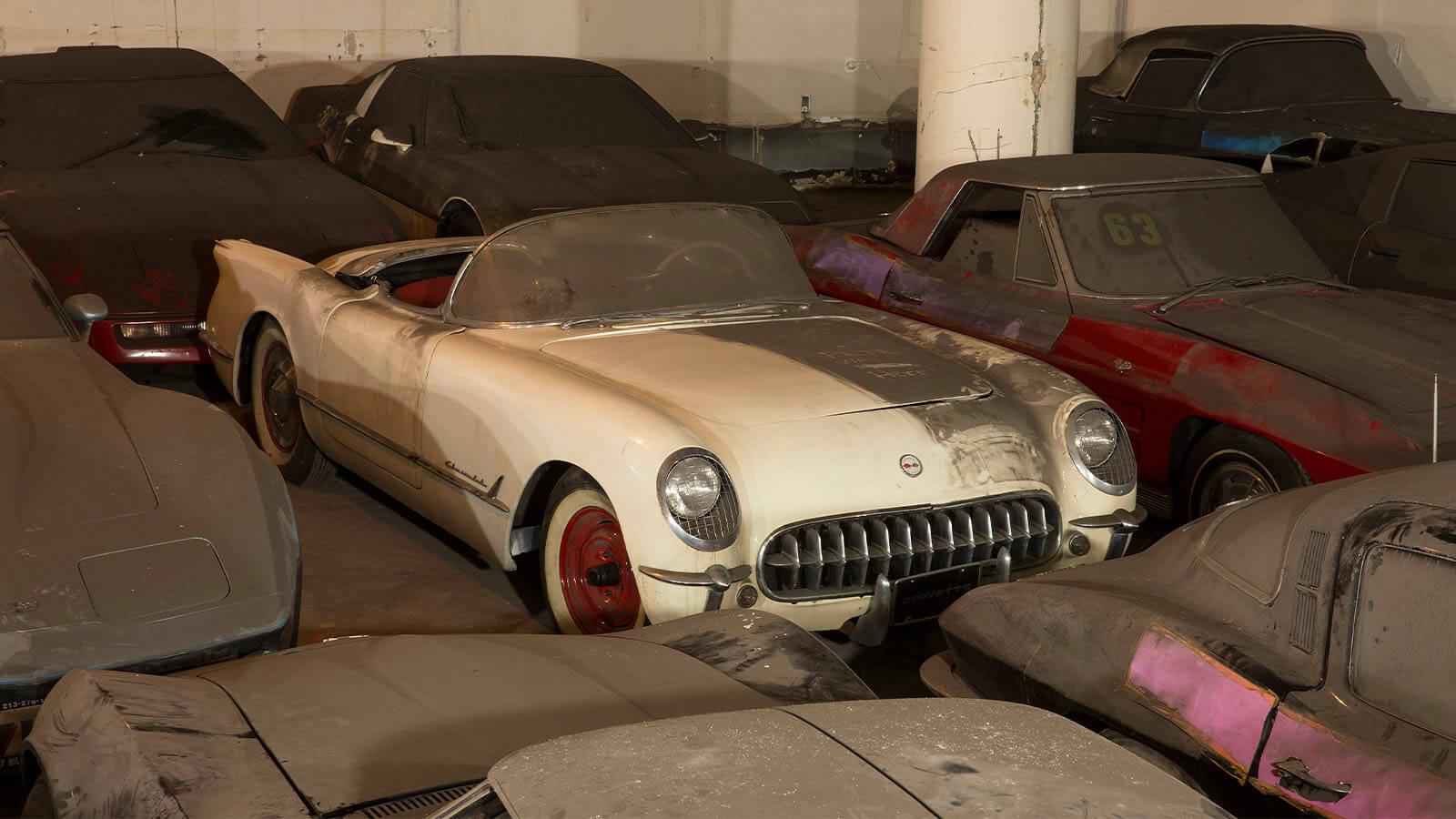 """<img src=""""1953-corvette.jpeg"""" alt=""""1953 Chevrolet Corvette barn find"""">"""