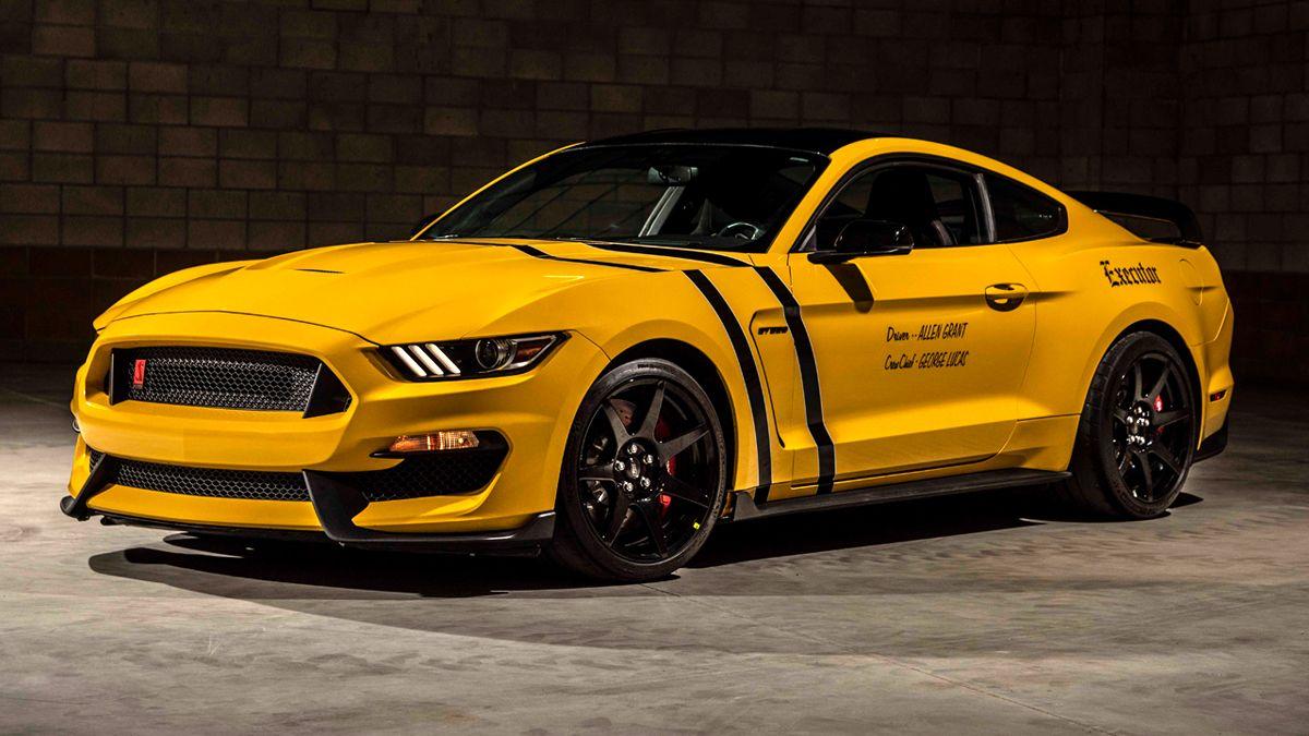 "<img src=""shelby-gt350r.jpg"" alt=""Allen Grant's rare 2017 Ford Mustang Shelby GT350R"">"