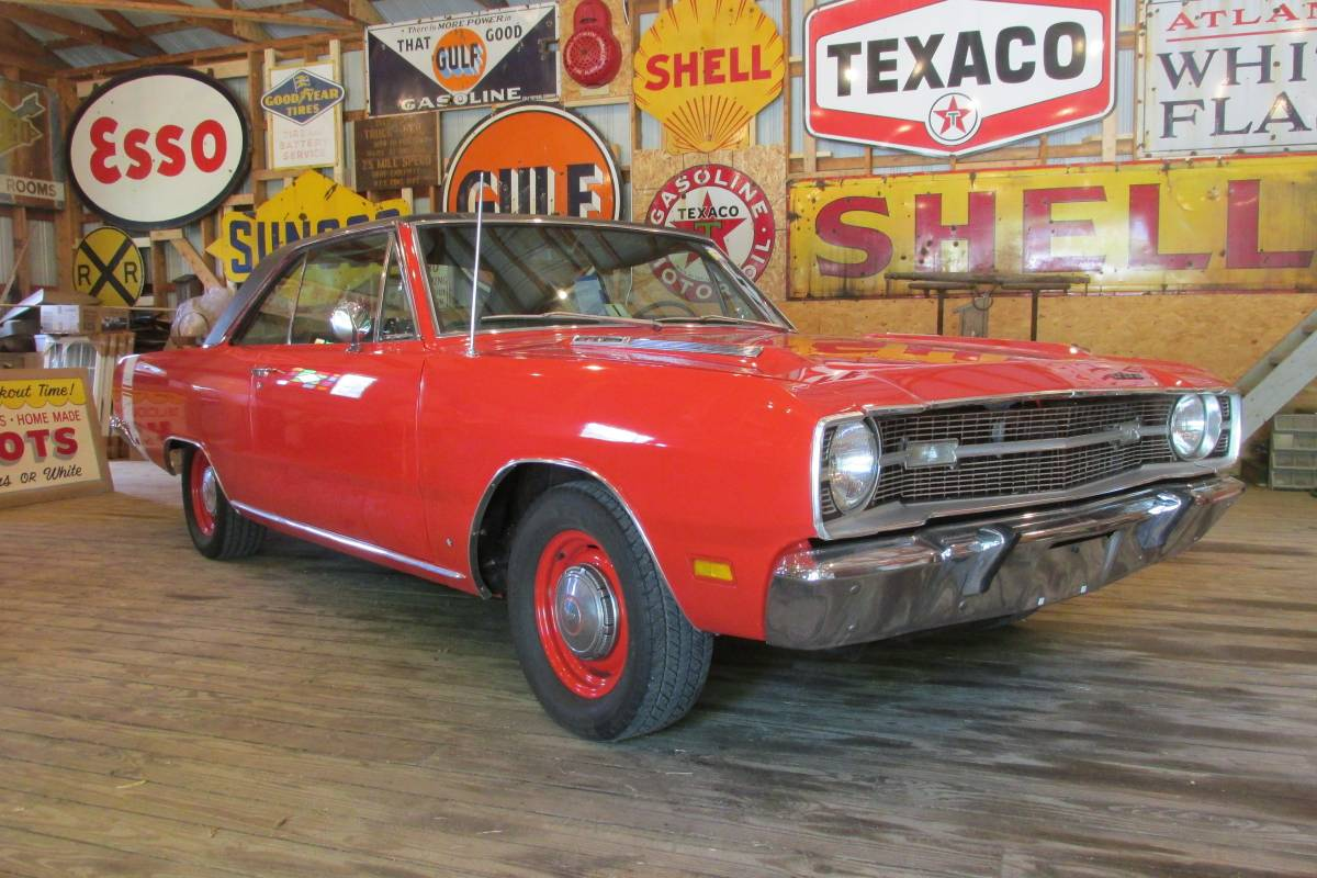 """<img src=""""1969-dodge-dart-front.jpg"""" alt=""""A 1969 Dodge Dart Swinger barn find on Craigslist"""">"""