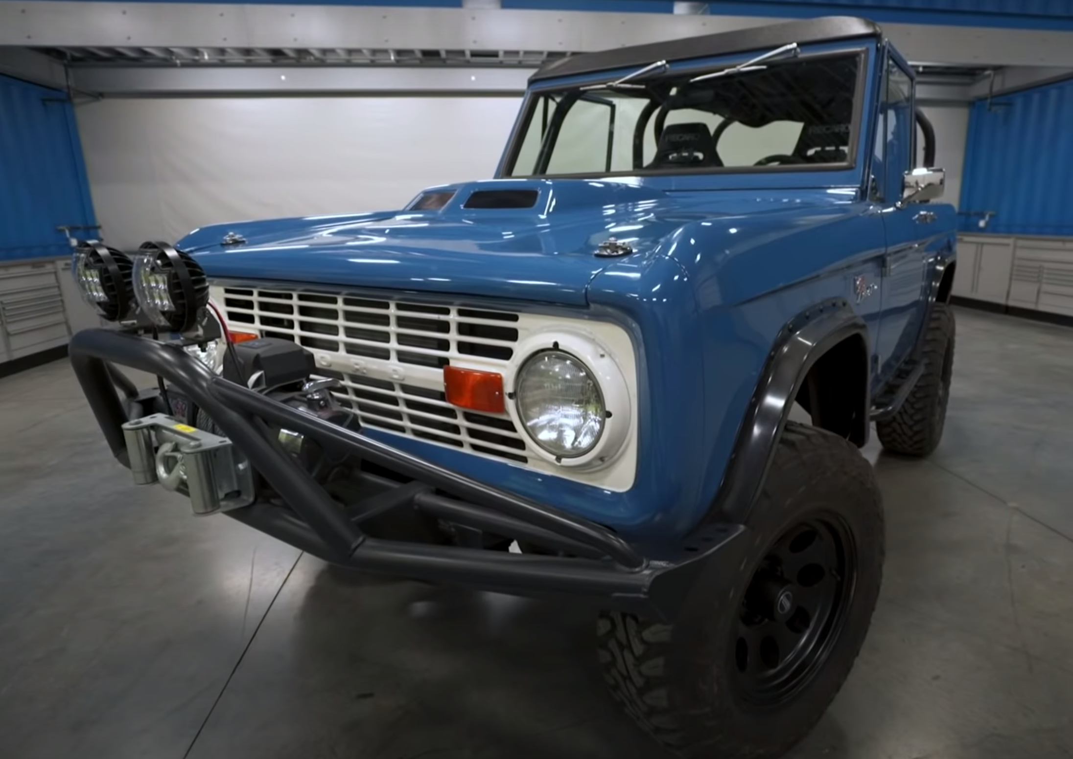 "<img src=""1974-bronco.png"" alt=""1974 Ford Bronco"">"