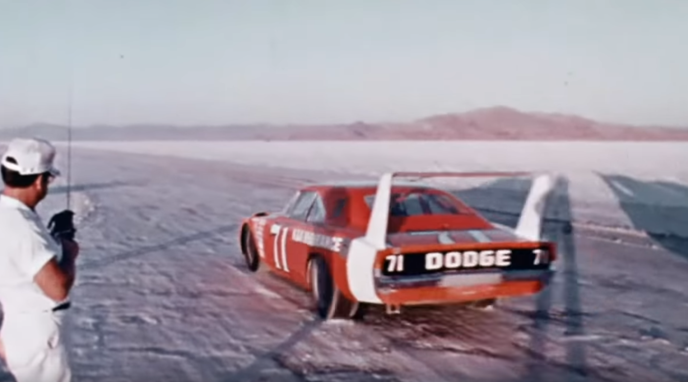 Nascar Drivers Used A Banned 1969 Dodge Daytona To Set Speed Records
