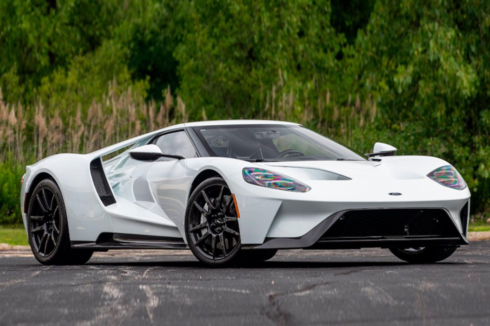 "<img src=""ford-gt-2.jpg"" alt=""2018 Ford GT that crossed the Mecum auction block"">"