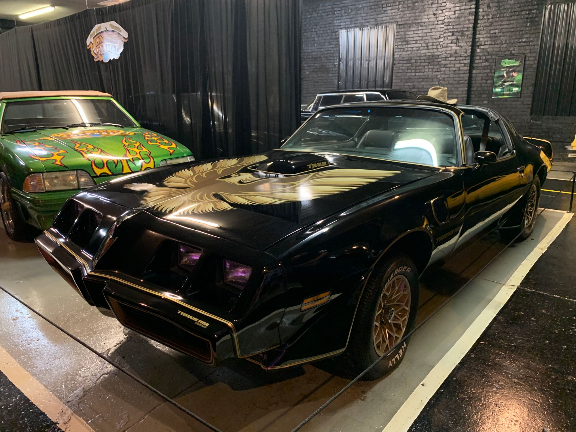 "<img src=""smokey.jpg"" alt=""1979 Pontiac Trans Am"">"