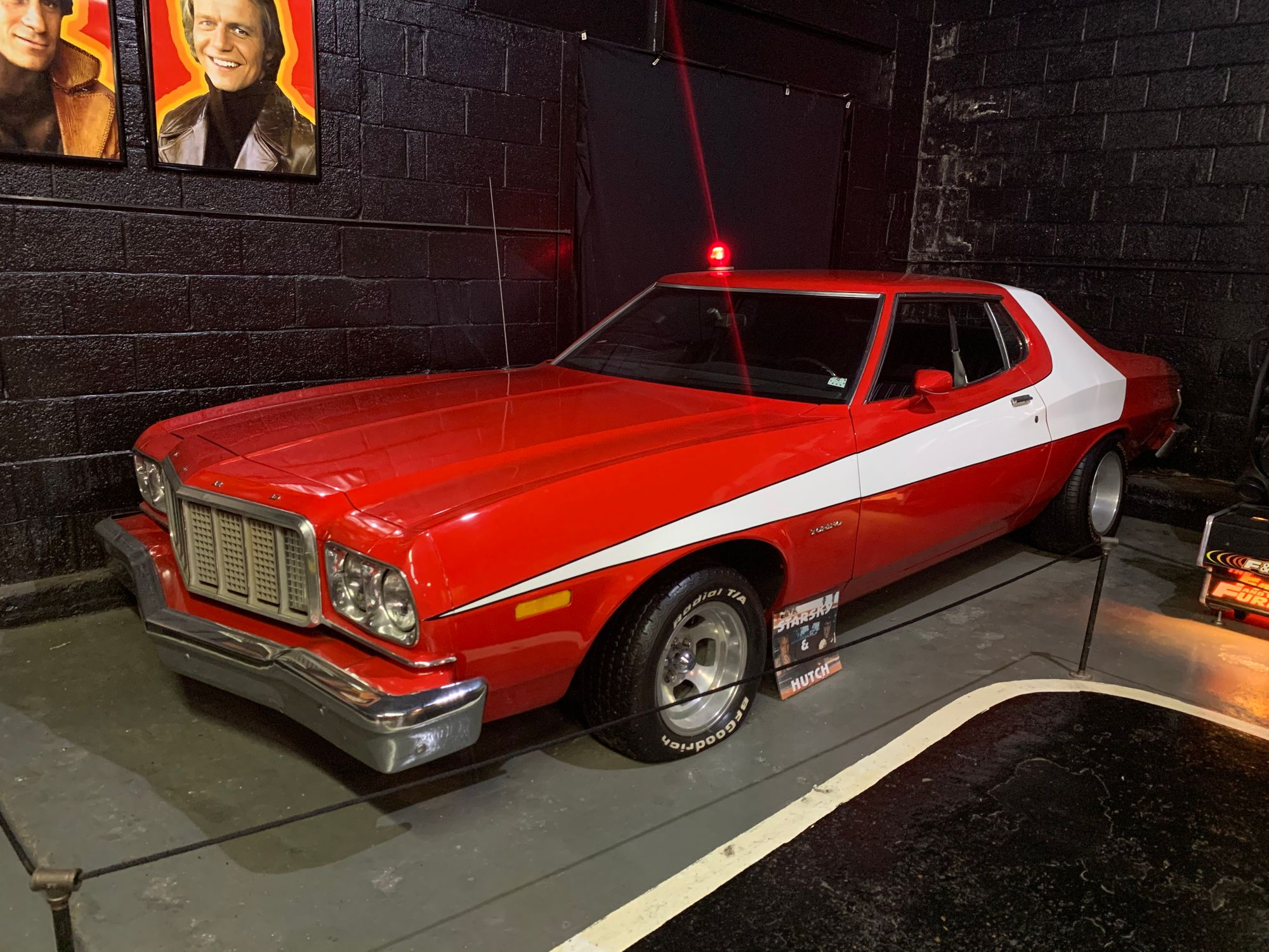 "<img src=""torino.jpg"" alt=""A Ford Gran Torino replica"">"