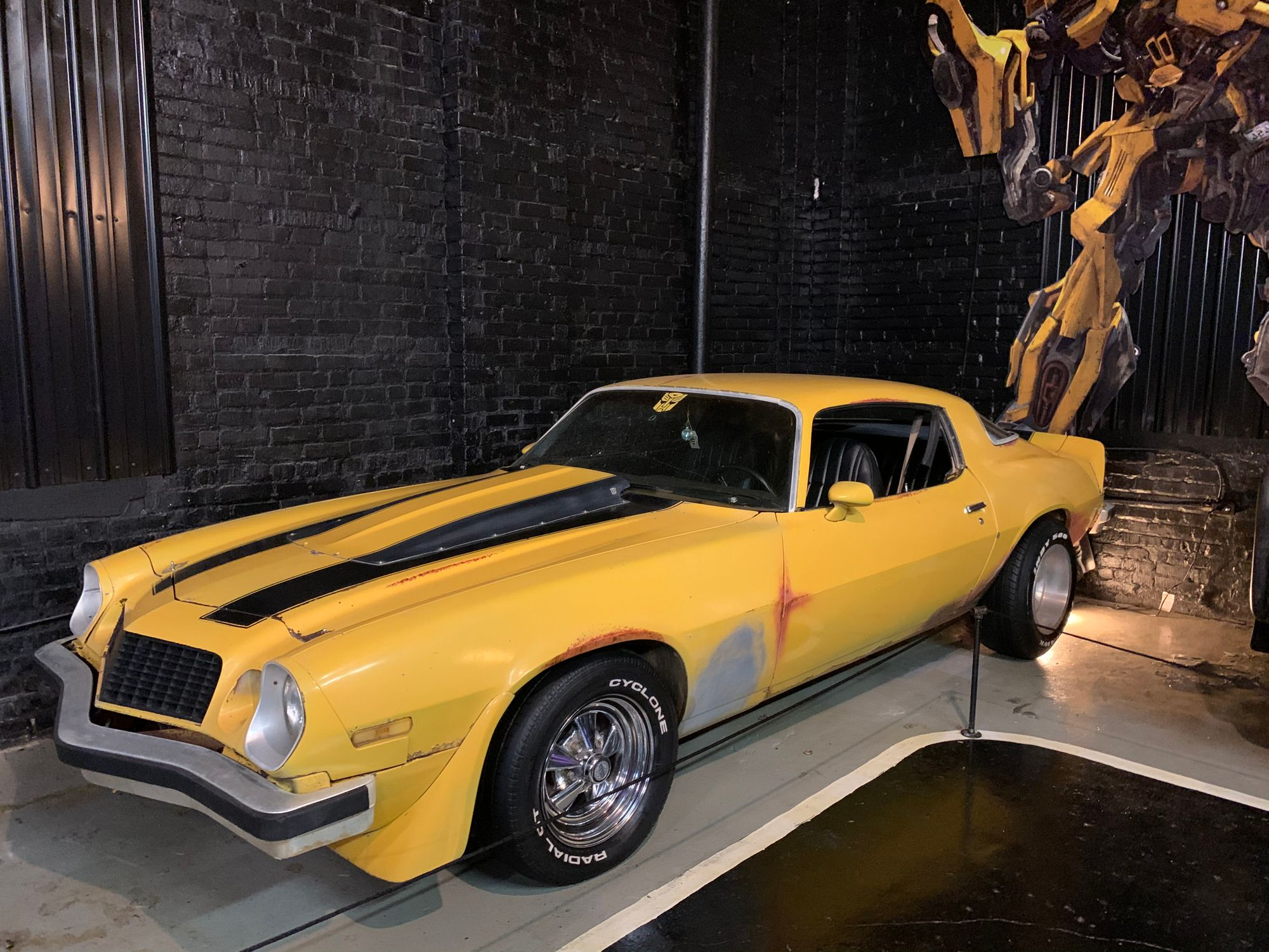 "<img src=""transformers.jpg"" alt=""1977 Chevy Camaro from Transformers"">"