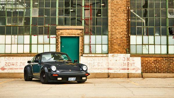 Check Out A One-Owner 1976 Porsche 930 With Almost 800K Miles
