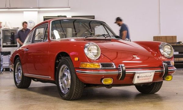 Check Out This Beautifully Restored 1968 Porsche 912