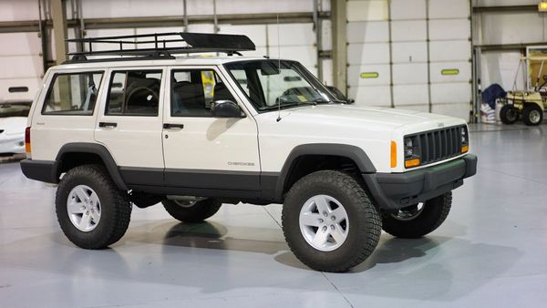 Hit The Trails In This Built 1998 Jeep Cherokee