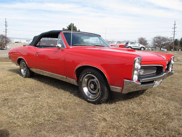 Look Fine In This 1967 Pontiac GTO Convertible Tribute
