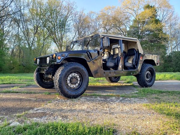 Be The King Of The Road In A 1986 Classic Humvee H1
