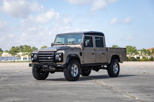 Haul It All In A Stunningly Rugged Custom 1997 Land Rover Defender