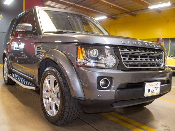 Off-Road In Luxury With A 2016 Land Rover LR4 HSE