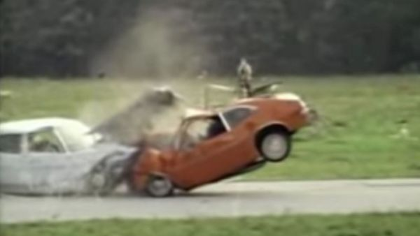 These Old IIHS Car Crash Videos Are Horrifying