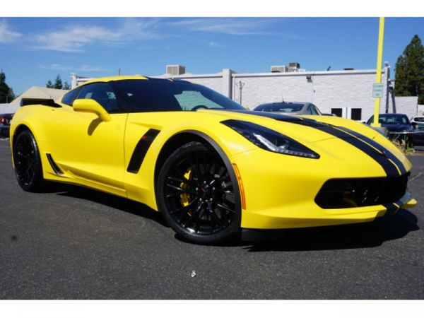Now's The Time To Grab A Hertz Corvette Or Camaro Performance Model