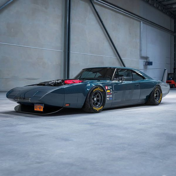 Old-School Dodge Charger Daytona Is Packin' Potent Viper V10 Power
