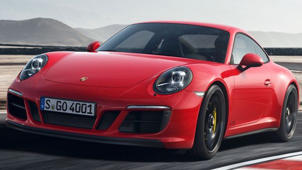Thief Takes Porsche 911 GTS On A Shockingly Short Getaway Drive