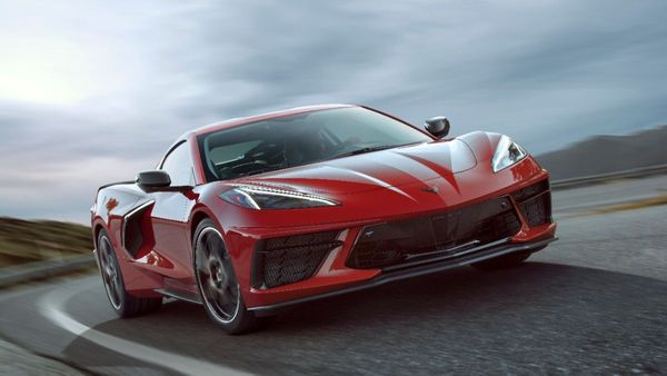 This Mid-Engined 2020 Corvette Z51 C8 Is Eyeing Your Garage
