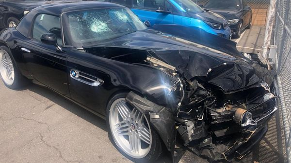 Rare Alpina Z8 Crashed By Looters Going Through Restoration Process