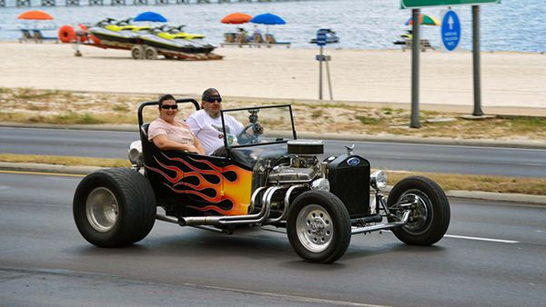 Vicari Auction's Cruisin' The Coast Is A Supersized Classic Car Event