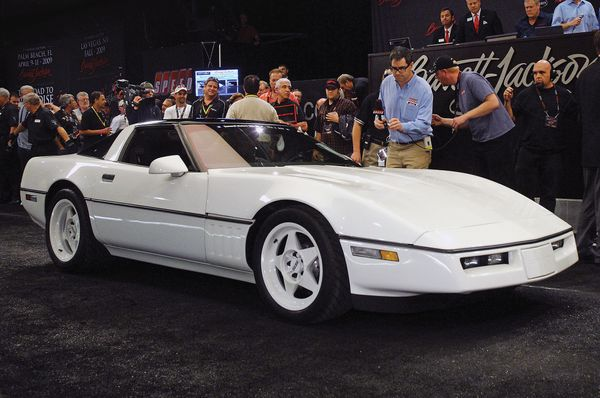 1989 Chevrolet Corvette ZR-1 SS Was Designed As A Viper Killer