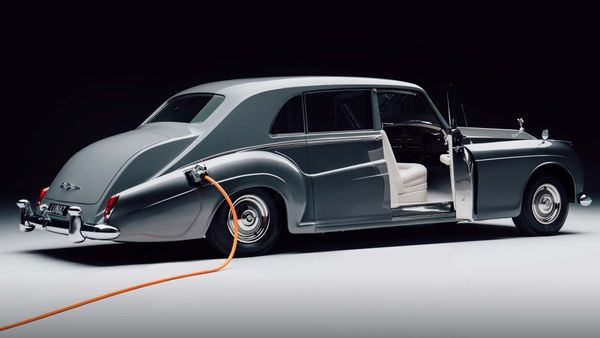 Lunaz Created The World's First Electric Rolls-Royce Phantom