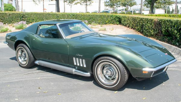Restored 1969 Chevrolet Corvette Looks Great With Factory Sidepipes