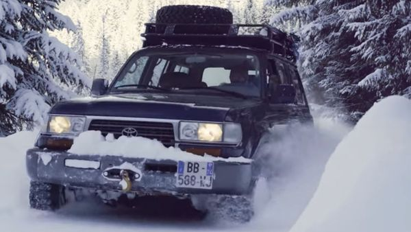 Watch A 1997 Toyota Land Cruiser FZJ80 Frolic In The Snow
