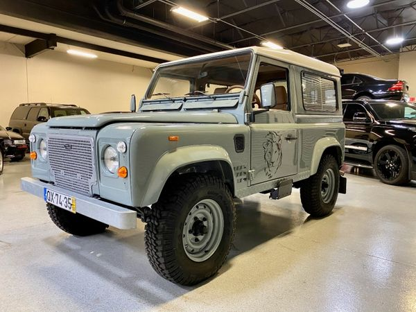 Restored to Perfection: 1991 Land Rover Defender