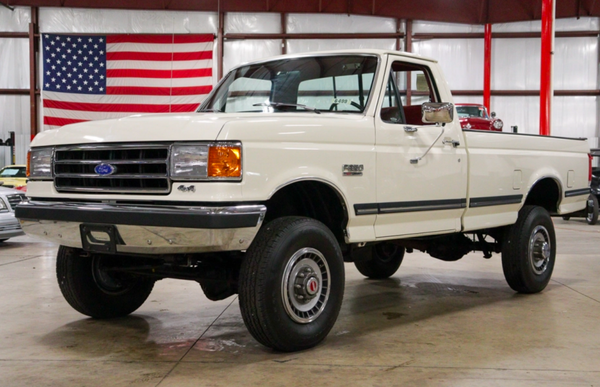 Low-Mileage 1990 Ford F-350 XLT Lariat 4×4 5-Speed Is Ready To Be Driven