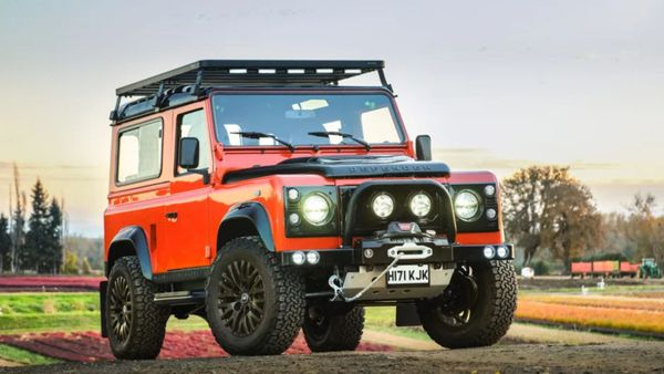 Conquer The Earth: Arkonik 1990 Land Rover Defender 90 200 TDi